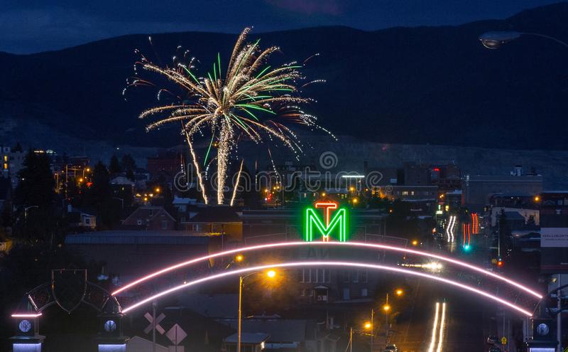 Fogos de artifício sobre o montículo, o Montana e o Montana Tech fotos de stock