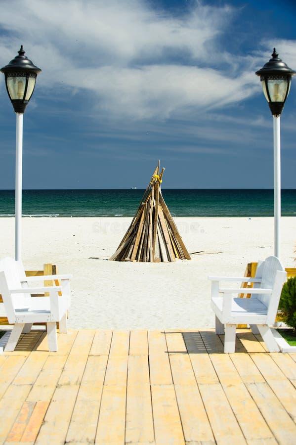 Fogueira na praia imagens de stock royalty free