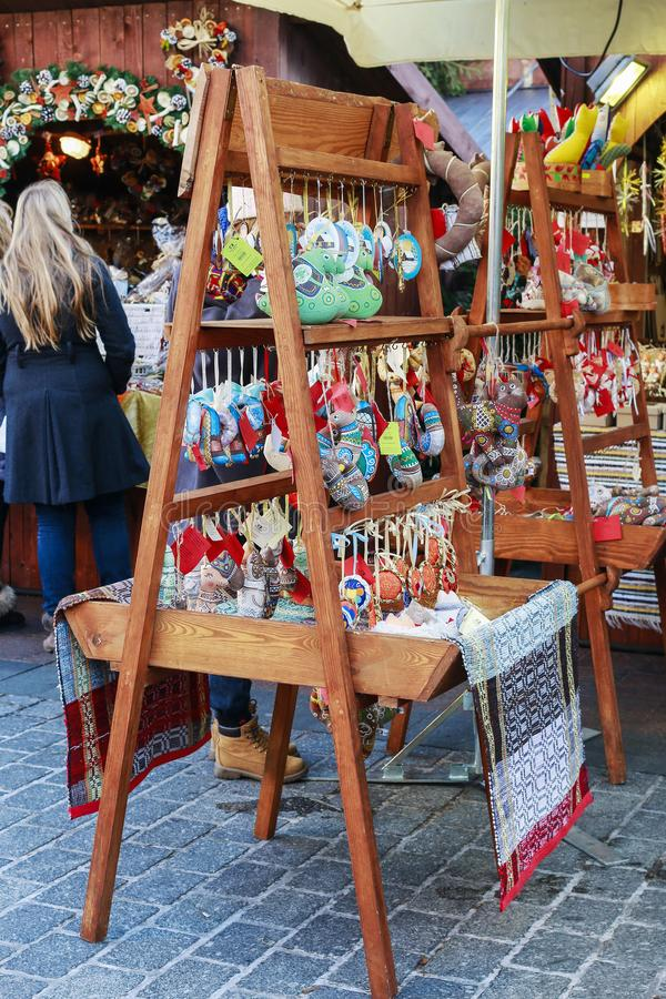 Foire annuelle de Noël à la place principale du marché à Cracovie, Pologne photo libre de droits