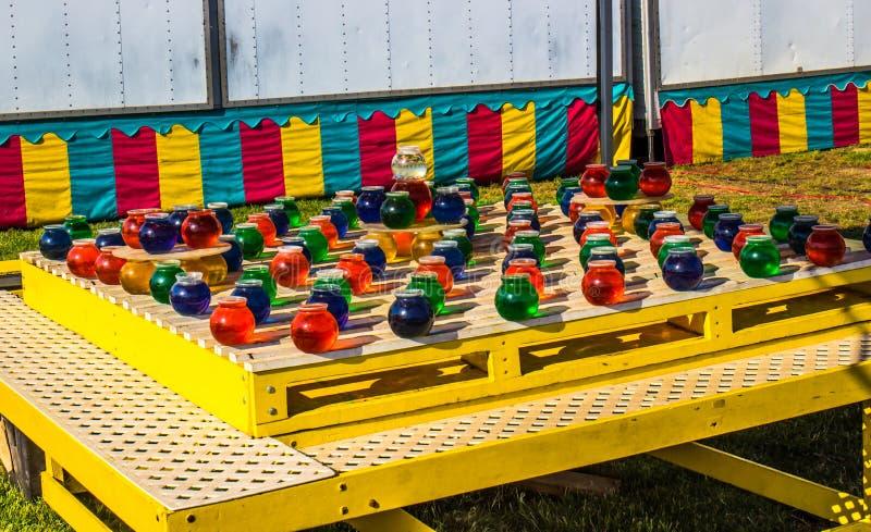Foire régionale de Ping Pong Toss Game At Local photographie stock libre de droits
