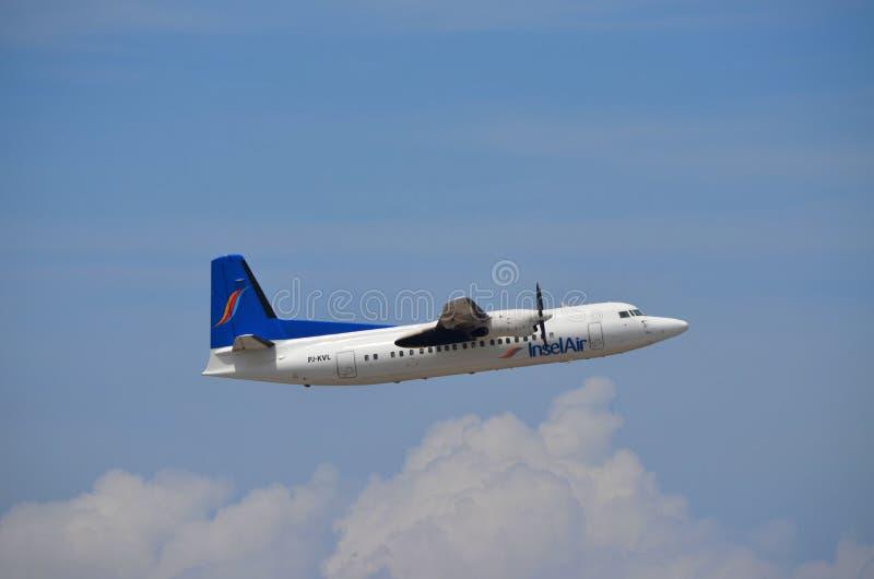 Fokker 50 de Insel Air imagens de stock royalty free