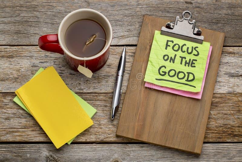 Fokus auf der guten Anzeige stockbild