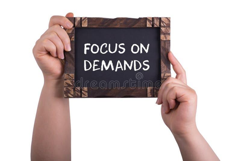 Fokus auf Nachfragen stockbild