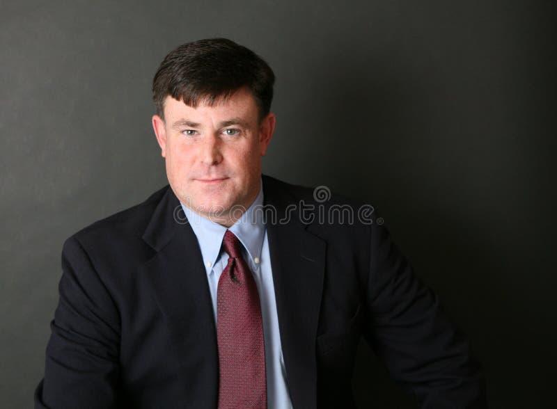 Fokussierter Geschäftsmann stockfotografie