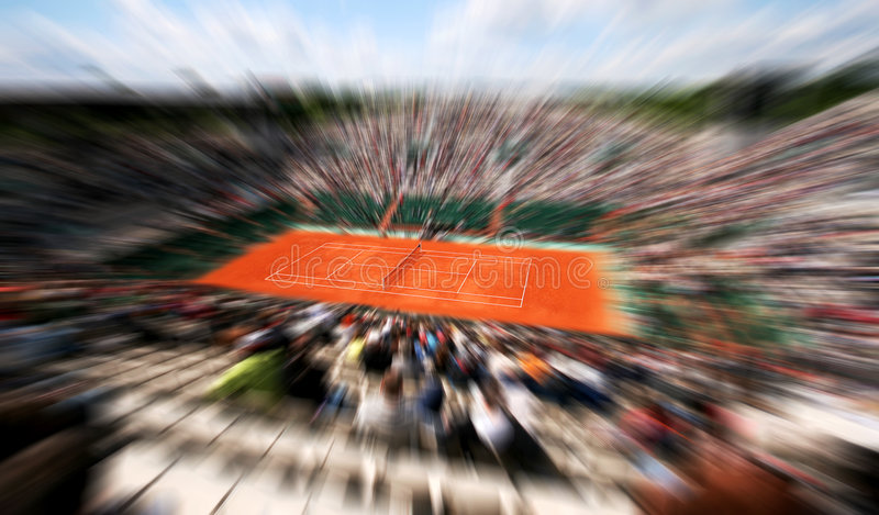 Folâtre l'arène de tennis avec le public images libres de droits