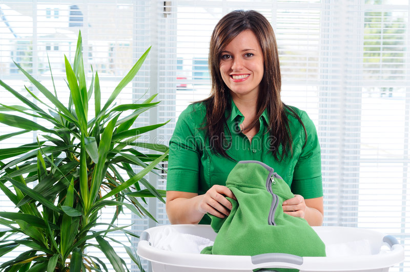 folding laundry στοκ φωτογραφία με δικαίωμα ελεύθερης χρήσης
