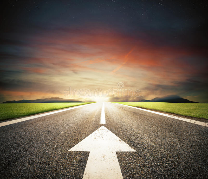 Folgen Sie der Straße zum Erfolg stockbild