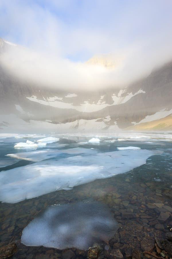 Folha de gelo no lago iceberg, parque nacional de geleira fotografia de stock royalty free