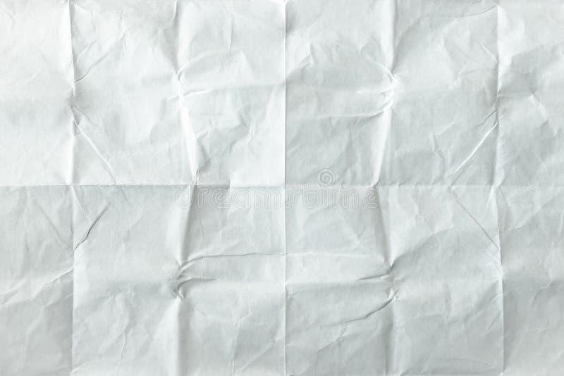 Folha de papel branca dobrada Folha branca esmagada e dobrada do papel velho Papel de nota Papel enrugado foto de stock royalty free