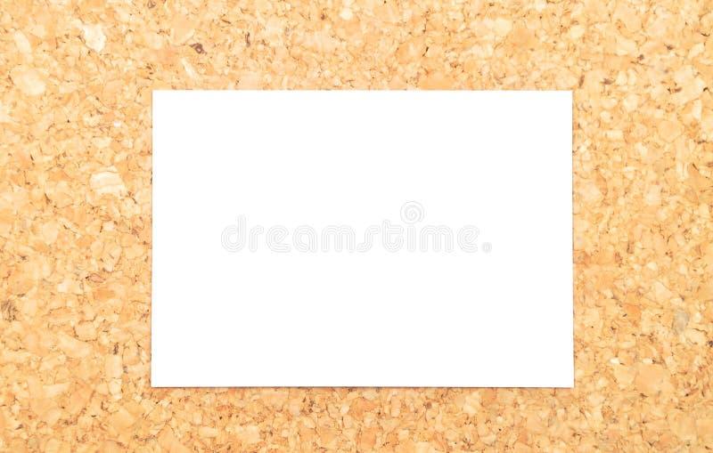 Folha de papel na cortiça fotos de stock royalty free