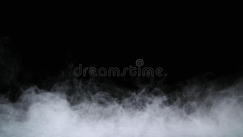Folha de prova realística da névoa das nuvens de fumo do gelo seco foto de stock royalty free