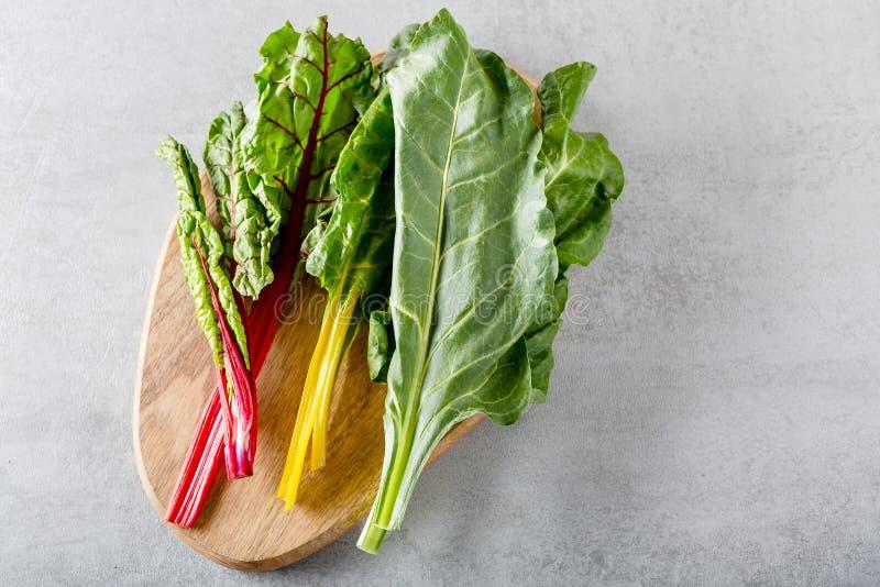Folha dos verdes de beterraba das beterrabas da planta do alimento typicaly para pobres da dieta na gordura fotos de stock