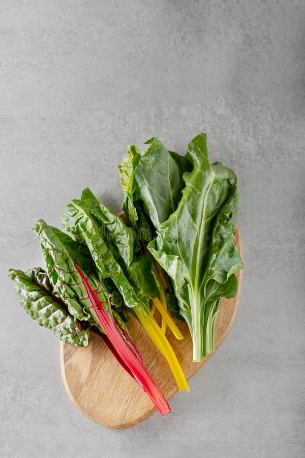 Folha dos verdes de beterraba das beterrabas da planta do alimento typicaly para pobres da dieta na gordura imagens de stock