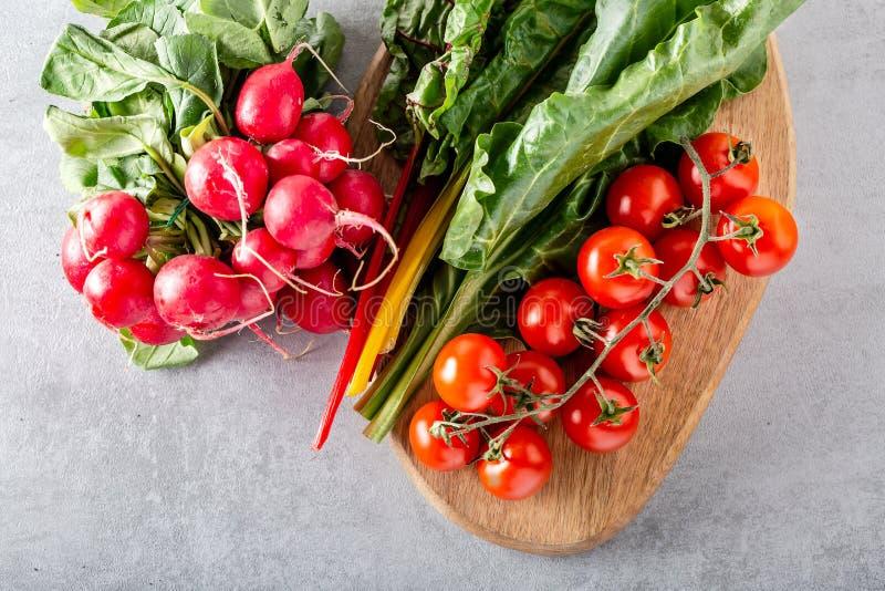 Folha dos verdes de beterraba das beterrabas da planta do alimento typicaly para pobres da dieta na gordura fotografia de stock royalty free