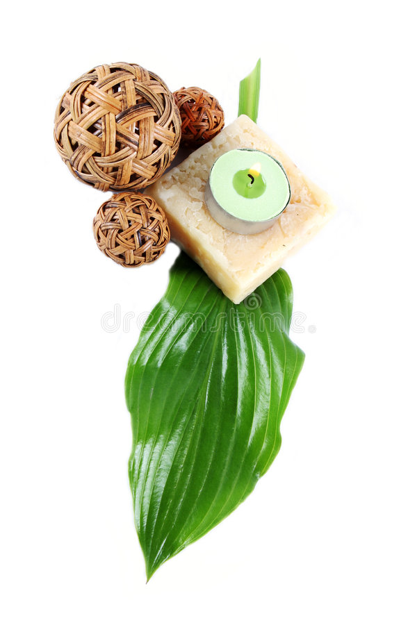 Folha, sabão e vela verdes fotografia de stock