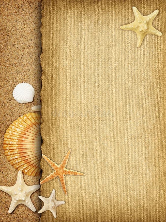 Download Folha Vazia Do Papel Feito A Mão Na Areia Imagem de Stock - Imagem de escudo, papel: 29833423