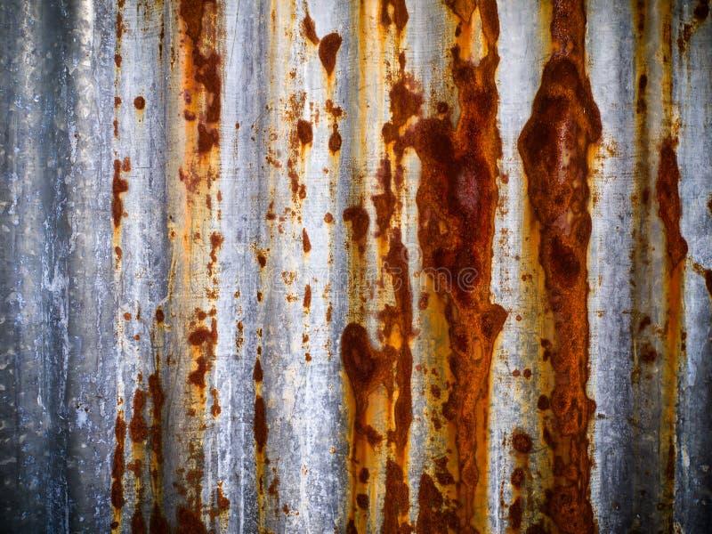 Folha velha do zinco fotografia de stock royalty free