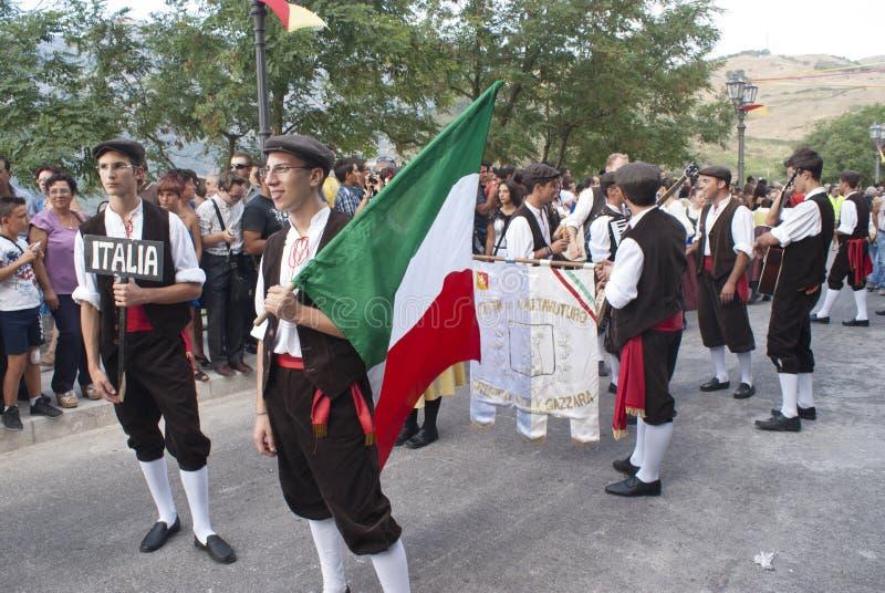 Folk Grupp Från Sicily Redaktionell Arkivfoto
