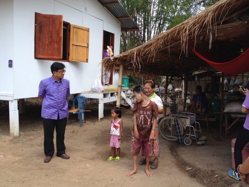 Folk i landsbygder av Thailand royaltyfria bilder
