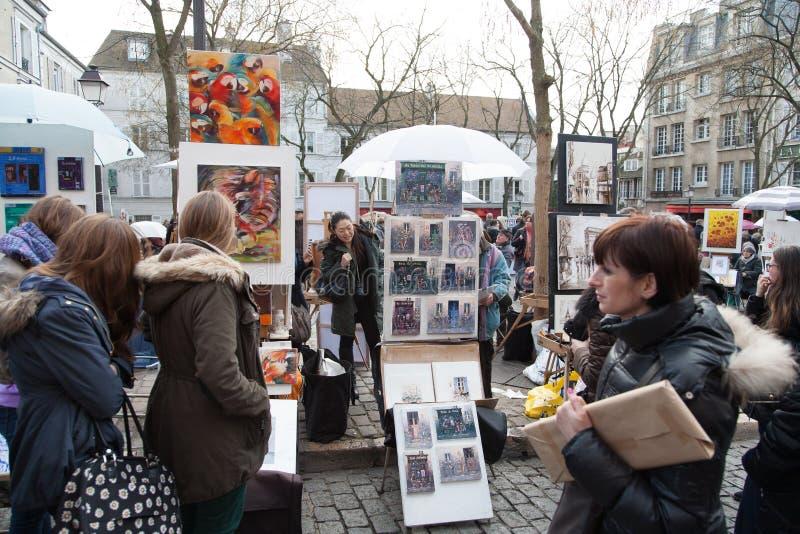 Folk i paris arkivfoto