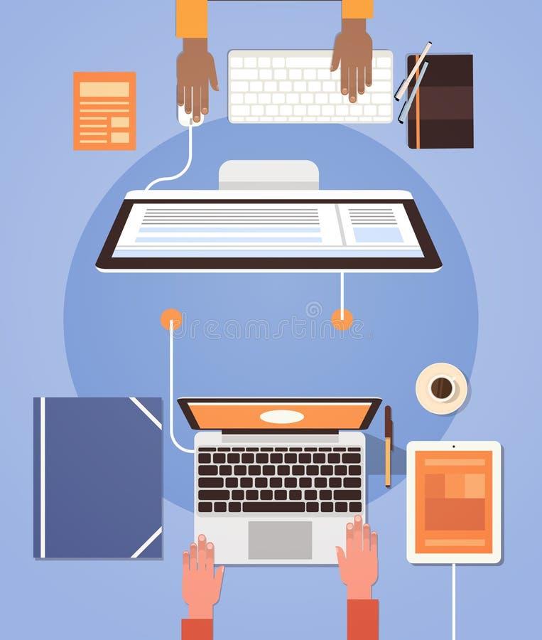 Folk som använder teamwork för skrivbord för bärbar dator för sikt för vinkel för arbetsplats för datorBusinesspeoplehand skrivbo stock illustrationer