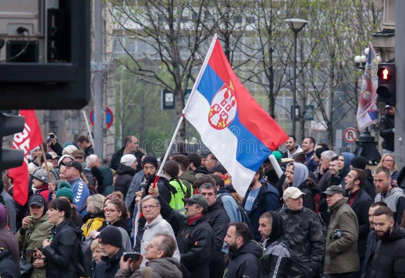 Folk som protesterar mot aktuell regering royaltyfria bilder