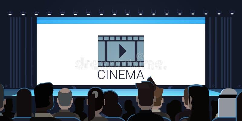 Folk som sitter i bion som tillbaka ser för filmstart för tom skärm väntande på bakre sikt royaltyfri illustrationer