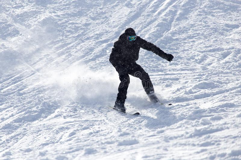 Download Folk som skidar i vintern arkivfoto. Bild av skida, förberett - 106831288