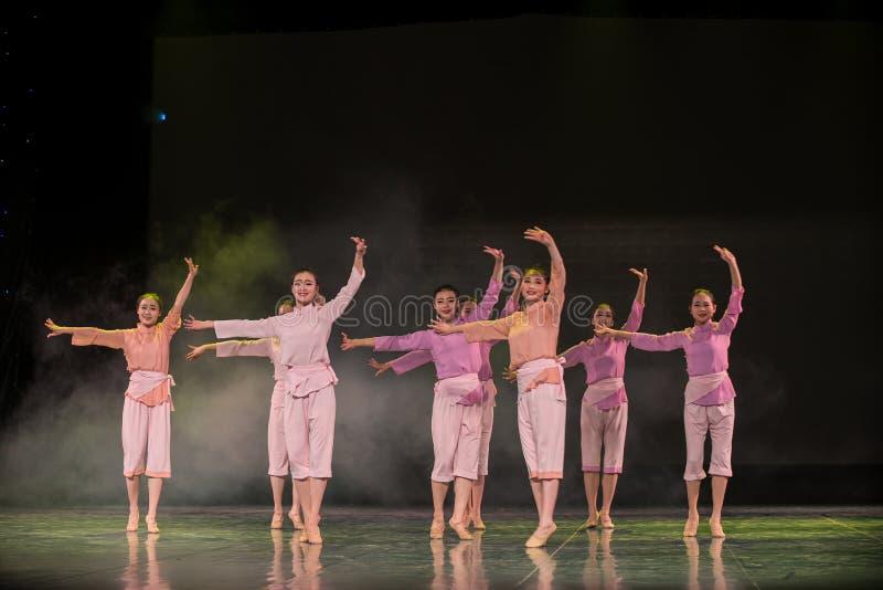 Folkdans för medborgare för flod- för Röda korsetambulanskår- gul arkivfoto
