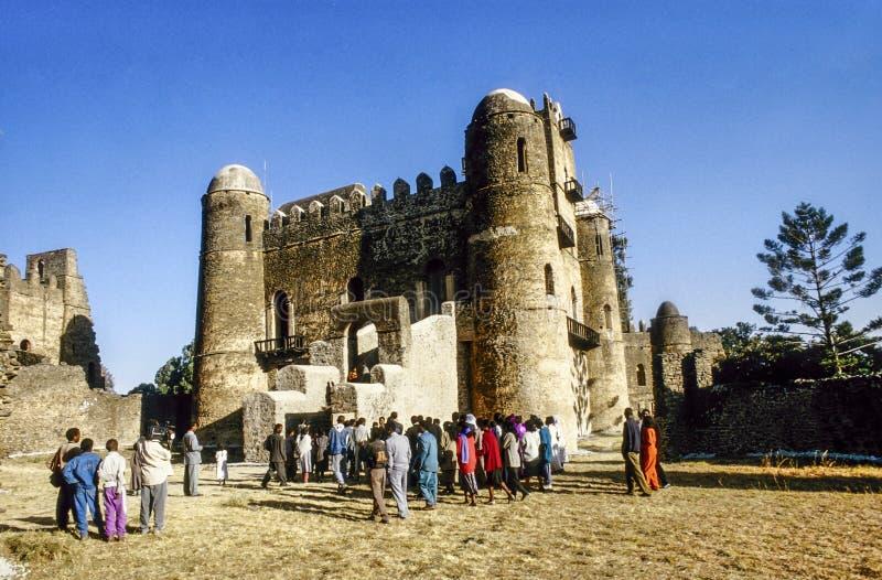 Folket älskar för att att gifta sig i Gondar fotografering för bildbyråer