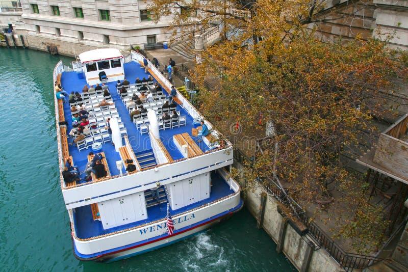 Folket på det Chicago fartyget turnerar royaltyfria bilder