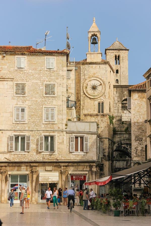 Folkfyrkant split croatia royaltyfri bild