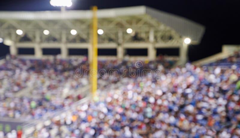 Folkmassa av fans på baseballstadion arkivbilder