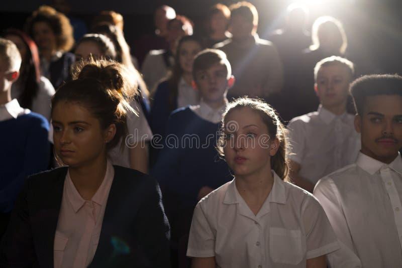 Folkmassa av studenter royaltyfria bilder