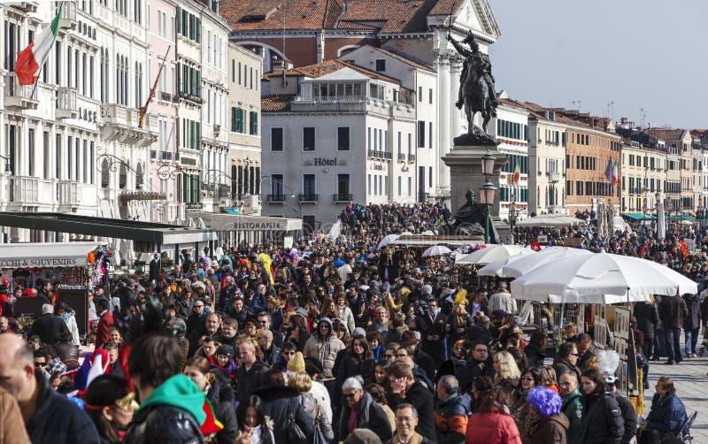 Folkmassa I Venedig Redaktionell Foto