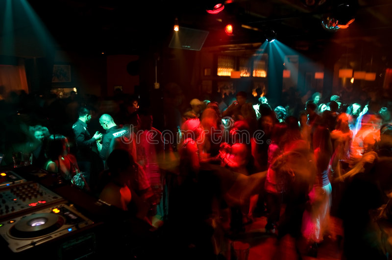 folkmassadansnattklubb arkivfoto