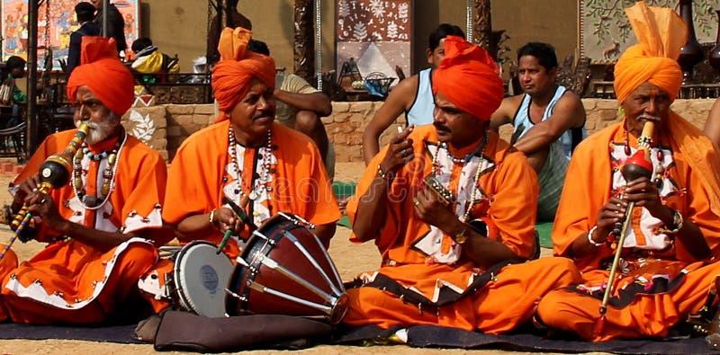 Folkmusik och dans av ormcharmör av Haryana, Indien arkivfoton