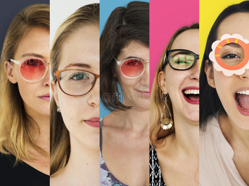 Folkuppsättning av mångfaldkvinnor som bär glasögonstudiocollage arkivbilder