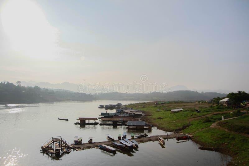 Folkways della riva del fiume fotografie stock