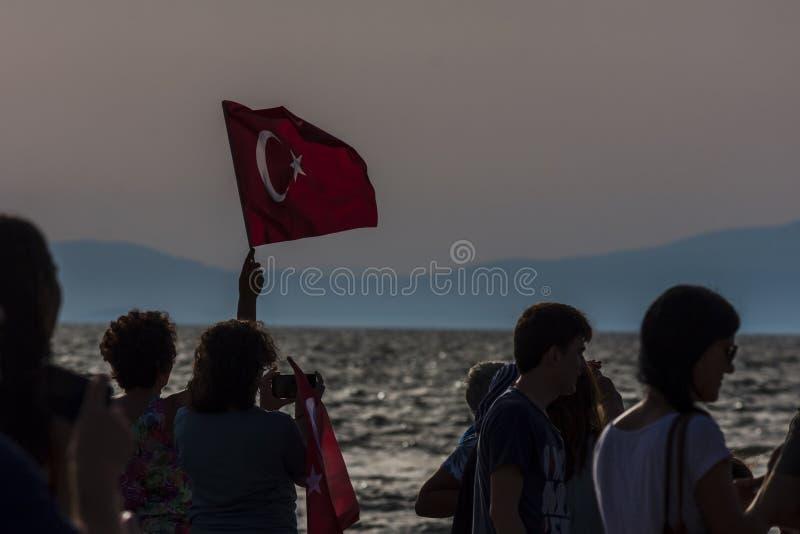 Folla che commemora liberazione di Smirne dai Greci fotografie stock