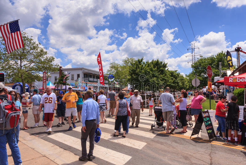 Folla del festival del centro la Virginia di Herndon della gente fotografia stock libera da diritti