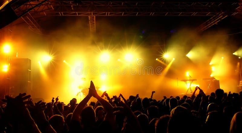 Folla di concerto fotografie stock libere da diritti