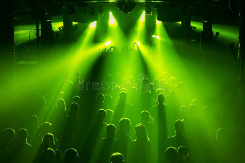 Folla di concerto rock fotografia stock libera da diritti