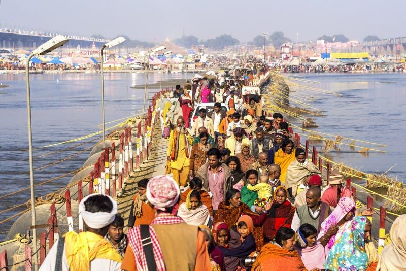 Folla a Kumbh Mela Festival in Allahabad, India fotografie stock libere da diritti