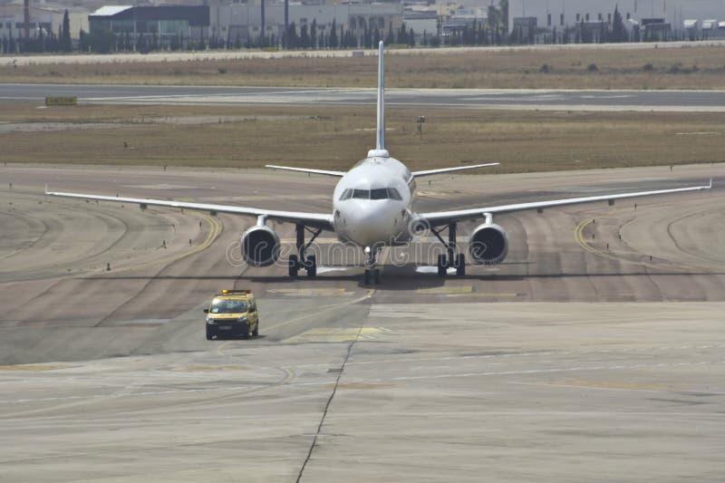 Follow-me auf dem Flughafen lizenzfreie stockfotografie