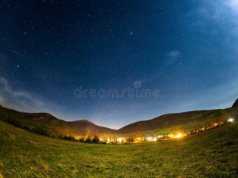 folował niebo gwiazdy Piękna lato noc fotografia stock
