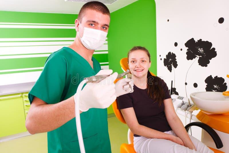 Fonctionnement de dentiste photo stock