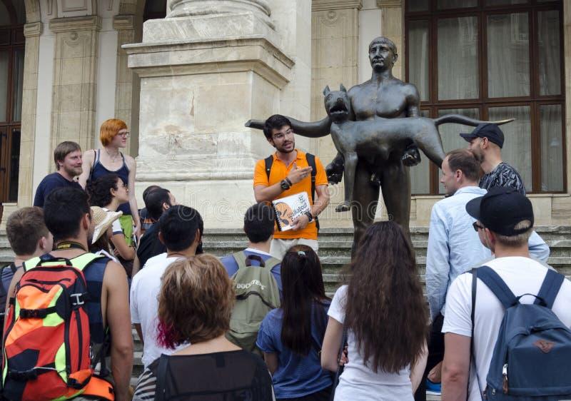 Fonctionnement de guide touristique photographie stock libre de droits