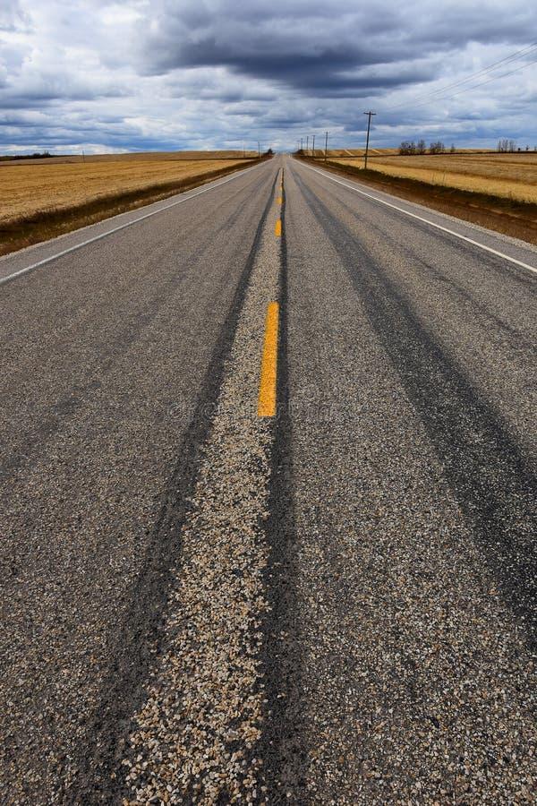 Fond abandonné de route images libres de droits