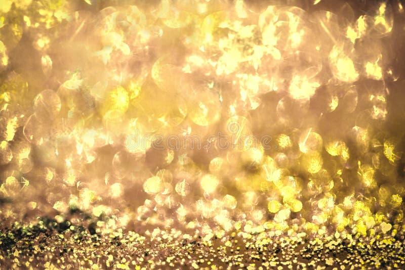 Fond abstrait brouillé par Colorfull d'or de texture de scintillement photos libres de droits